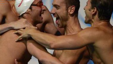 فرنسا تفوز بسباق 4 في 100 متنوع للرجال بعد خروج أمريكا
