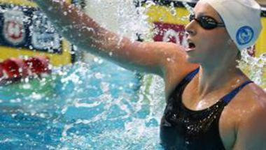 ليديكي تسجل رقما قياسيا بسباق 800 متر حرة في برشلونة
