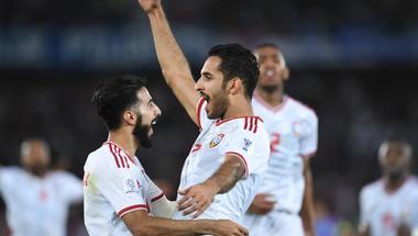 """احتمالات مجموعة الإمارات الآسيوية.. التعادل يكفي """"الأبيض"""" للتأهل"""
