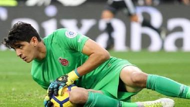 المغربي بونو يؤكد تجديد عقده مع جيرونا