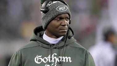 المدربون السود يصطدمون بالمحسوبية والعنصرية في دوري كرة القدم الأميركي