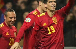 مورينو يبدع في أول لقائين له مع اسبانيا - الرياضة