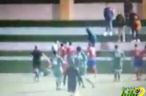 فيديو: مباراة للهواة تتحول إلى ساحة قتال في إسبانيا - الرياضة