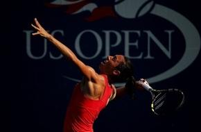 نجمة كرة المضرب الإيطالية تتغلب على السرطان (فيديو) - الرياضة