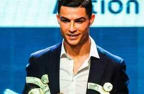 رونالدو يتوج بجائزة أفضل لاعب في الدوري الإيطالي  - الرياضة