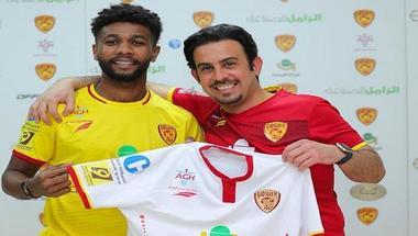 القادسية السعودي يضم لاعب النصر لنهاية الموسم