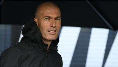 ماركا: زيدان يطمئن جوهرته على مستقبله مع ريال مدريد