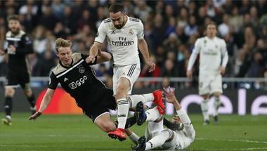 ماركا تكشف مدة غياب كارفاخال الصادمة عن مباريات ريال مدريد