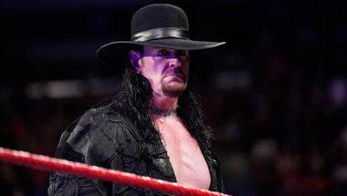 الأندرتيكر يوقع على صفقات WWE الجديدة التي تقيد ظهوره الخارجي - في الحلبة