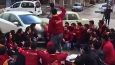 سيارة تدهس مشجعي كرة قدم قبل المباراة - صحيفة صدى الالكترونية