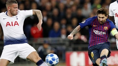 اليويفا يوقع غرامة مالية على برشلونة