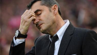 برنامج إسباني شهير: فالفيردي لن يستمر في منصبه وبرشلونة سيتعاقد مع هذا المدرب