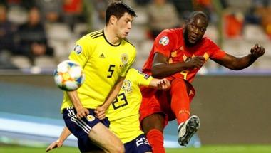 ثنائية لوكاكو تقود بلجيكا للفوز على اسكتلندا