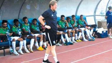 جيمي داي... مدرب إنجليزي يسعى لجعل كرة القدم أكثر شعبية من الكريكيت في بنغلاديش