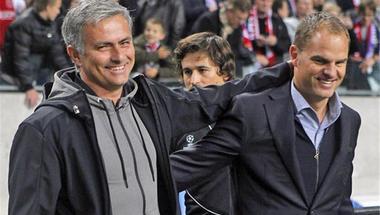 بعد وصفه بالمدرب الأسوأ في تاريخ الدوري الإنجليزي.. دي بور يرد على مورينيو