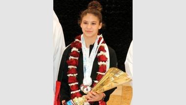 سباحة إماراتية تبهر «العرب».. وتحلم بأولمبياد «باريس 2024»