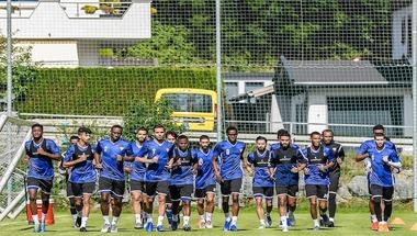 """عودة الكمالي.. 27 لاعبا في قائمة """"الأبيض"""" الإماراتي لمعسكر البحرين"""