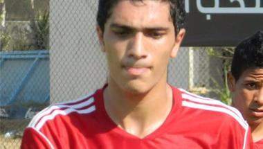 مدافع الأهلي يعلن انتقاله إلى الدوري التونسي