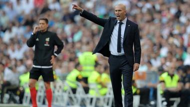 زيدان يصب غضبه على لاعبي ريال مدريد بعد التعادل مع بلد الوليد