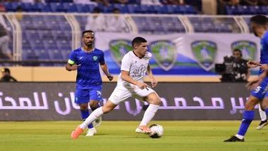 الشباب يهزم الفتح بثنائية في الجولة الأولى من الدوري السعودي