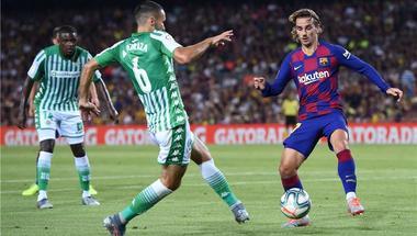 بالفيديو   جريزمان يتعادل لبرشلونة أمام بيتيس ويسجل أول أهداف الموسم
