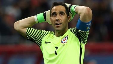 كلاوديو برافو يعود لمنتخب تشيلي بعد غياب عامين