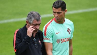 مدرب البرتغال: رونالدو الأفضل في العالم