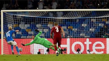 فيديو.. نابولي يسجل الهدف الثاني أمام ليفربول بدوري أبطال أوروبا بعد خطأ فان ديك