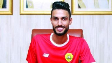 محمد البيرق حارس الوصل الإماراتي يواجه المنافسين بدعم الجماهير