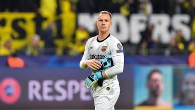 أسطورة الكرة الألمانية يطالب رئيس البايرن بالاعتذار لتير شتيغن