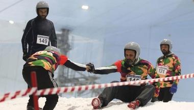 400 مشارك يظهرون في «تحدي الثلج» بدبي