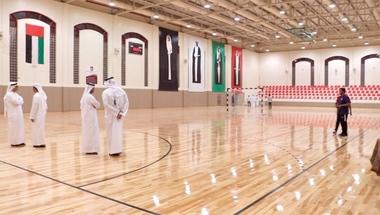 مجلس الشارقة يتسلّم الصالة الرياضية لنادي الحمرية
