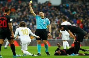 فكر في الانسحاب.. إشبيلية يهاجم التحكيم بعد الخسارة ضد ريال مدريد - الرياضة