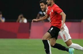 طوكيو 2020| رغم عدم التعمد.. طاهر يفلت من الكارت الأحمر أمام إسبانيا - الرياضة