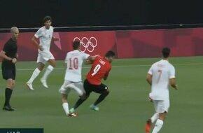 إصابة نجم ريال مدريد بعد تدخل مع طاهر محمد طاهر - الرياضة