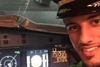 عمر السومة أثناء قيادته لأحد الطائرات
