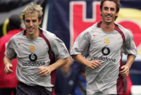 جاري وفيل نيفيل يعدان أشهر الأشقاء في البريميرليج، حيث خاضا معًا ما مجموعه 903 مباراة بقميصي مانشستر يونايتد وإيفرتون بواقع 398 لجاري و505 لفيل نيفيل.