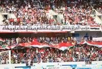 الجماهير العراقية تحتشد بمناسبة افتتاح ملعب كرباء الدولي