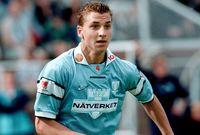 لعب إبراهيموفتش لنادي مالمو السويدي في دوري الدرجة الثانية في سن التاسع عشر، بعد أول موسم له مع الفريق وتسجيل 19 هدف والأداء الرائع، عرضت 3 نوادي شراء إبراهيموفيتش (آرسنال وأياكس وروما)