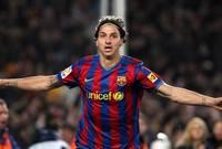 في صيف 2009 انتقل إلى برشلونة، كانت فترة بقاءه مع برشلونة قصيرة ، أستطاع تحقيق الدورى الإسبانى مرة واحدة ، كأس السوبر الاسبانى مرتين ، كأس السوبر الأوروبى مرة واحدة ، كأس العالم للأندية مرة واحده