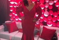 والدة نيمار تظهر أيضا باللون الأحمر في احتفالات نجلها بيوم ميلاده