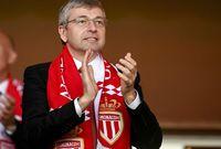 استحوذ على النادي عام 2013  حيث أنفق الروسي في أول عام له مع موناكو أكثر من 160 مليون يورو