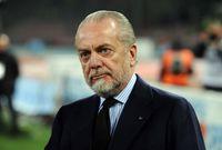 صورة  للإيطالي أوريليو دي لورينتيس مالك نادي نابولي