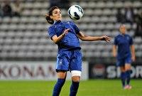 لقطات من مباريات اللاعبة الجزائرية الأصل فرنسية الجنسية لويزا نسيب التي طلب المعلق العربي الزواج منها على الهواء