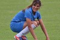"""اسم اللاعبة هي """"لويزا نسيب"""" جزائرية الأصل فرنسية الجنسية تلعب حاليا في صفوف فريق ليون الفرنسي"""