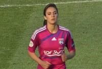 لقطة للاعبة لويزا نسيب من المباراة التي غزلها فيه الملعق العربي سليمان العنزي