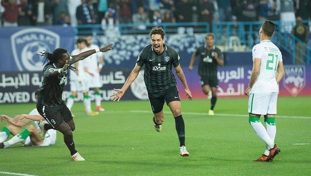 التقى الأهلي والهلال 21 مرة في دوري المحترفين السعودي – فاز الهلال 9 مرات مقابل 3 مرات للأهلي وهناك 9 حالات تعادل بينهما.