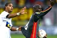 تدخل لاعب الإنتر السابق «أدريانو» لإقناع «زورو» بالعدول عن قراره والعودة إلى الملعب.