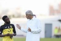 """هتان باهبري لاعب نادي الهلال، نشر صورته مع المولد عبر حسابه على موقع تبادل الصور """"انستجرام"""" معلقاً عليها: """"الله يقويك.""""."""