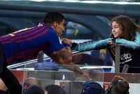سواريز رفقة أبنته